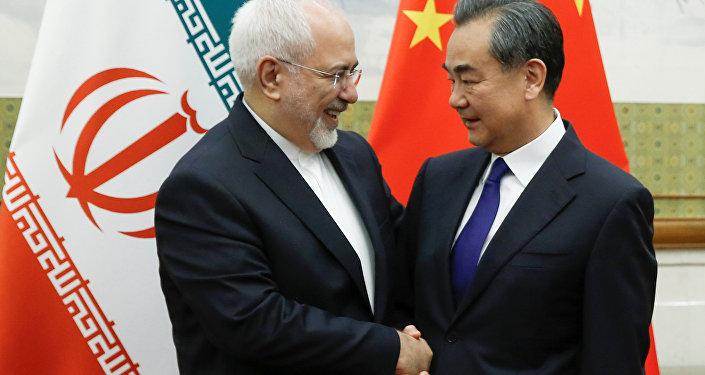 Wang Yi et Mohammad Javad Zarif à Pékin