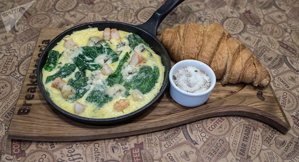 Petit déjeuner continental Paris au restaurant Breakfasteria à Rostov-sur-le-Don
