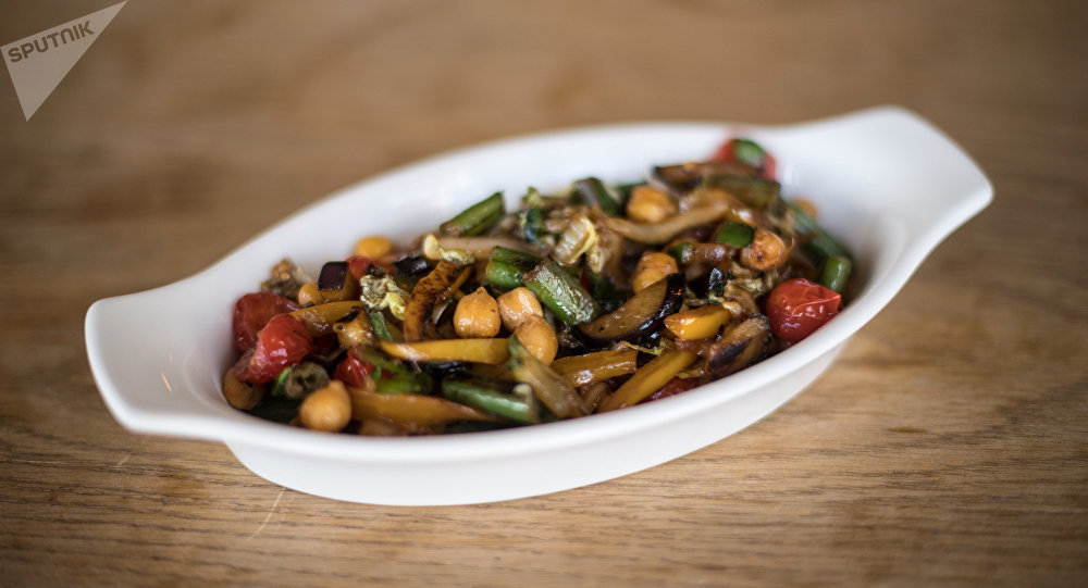 Ragoût de légumes aux pois chiches au Green Cafe à Rostov-sur-le-Don