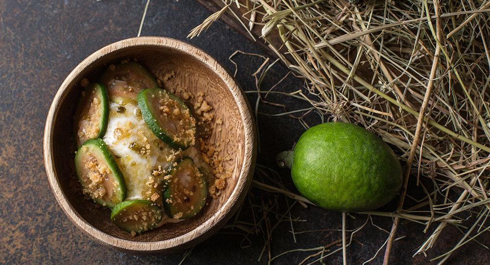 Glace de madzoun fait maison au feijoa dans le restaurant Baran-Rapan