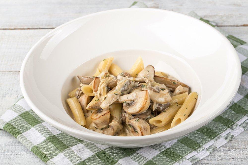 Penne aux trois champignons à la pizzeria Sicile à Sotchi