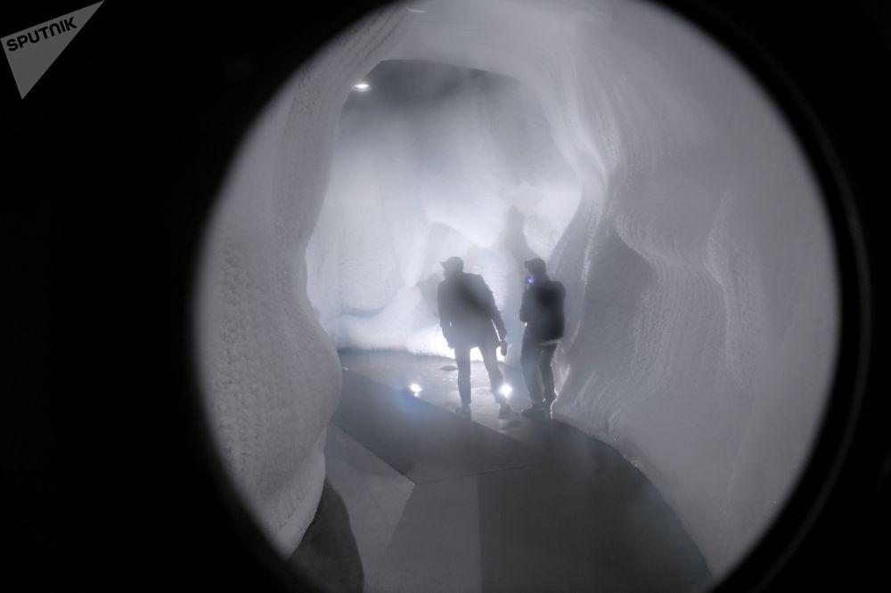 La caverne de glace est ouverte à Moscou