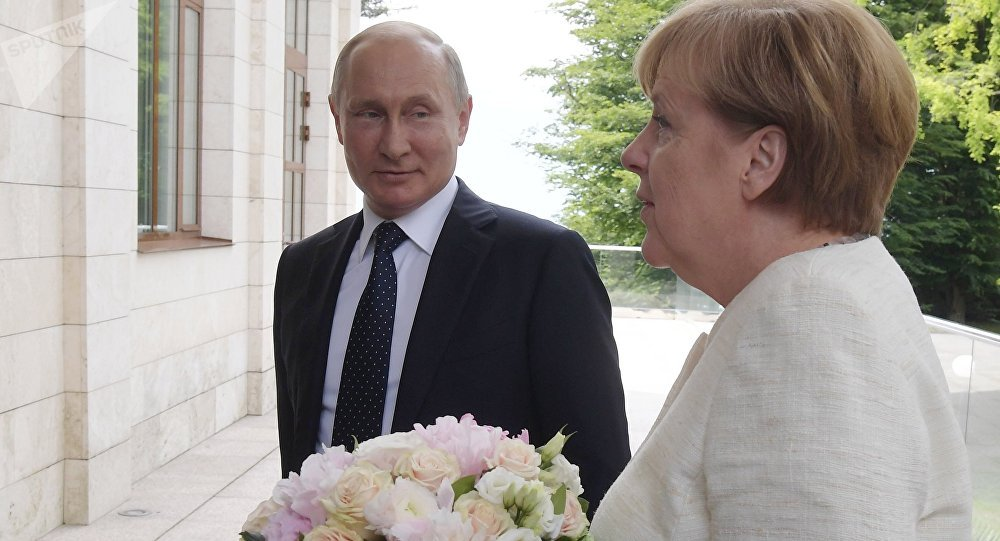 Le président Vladimir Poutine a rencontré la chancelière allemande Angela Merkel