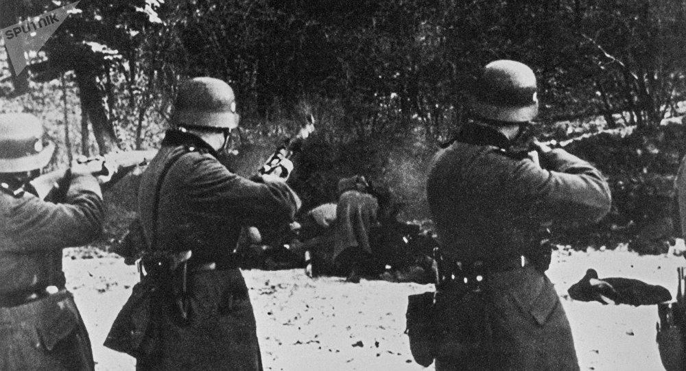 La Wehrmacht fusille des Polonais en 1939