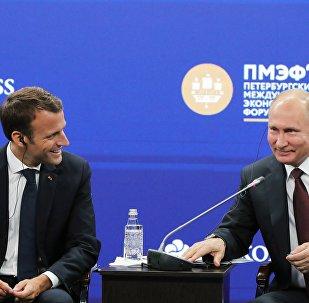 Poutine et Macron au Forum économique international de Saint-Pétersbourg 2018
