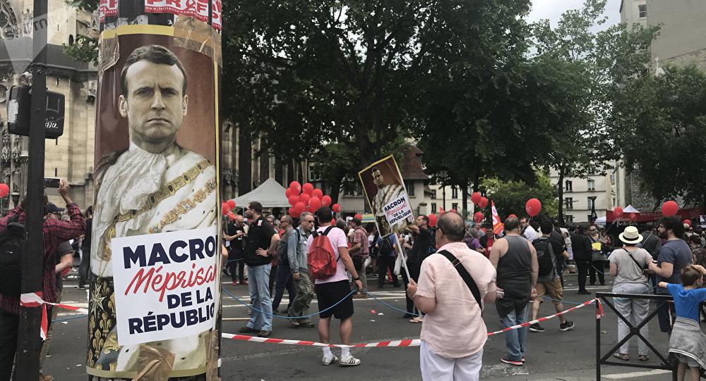 Les manifestations contre la politique de Macron se poursuivent à Paris le 26 mai