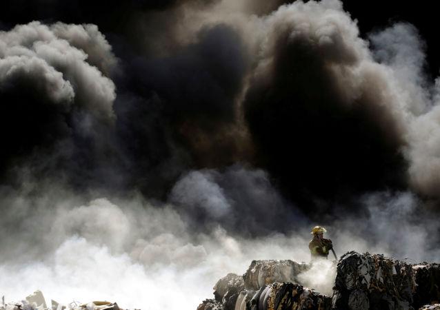 Un gigantesque incendie dans un parc d'attractions près de Strasbourg (image d'illustration)