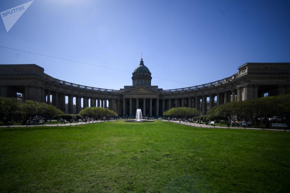 La cathédrale Notre-Dame-de-Kazan de Saint-Pétersbourg.