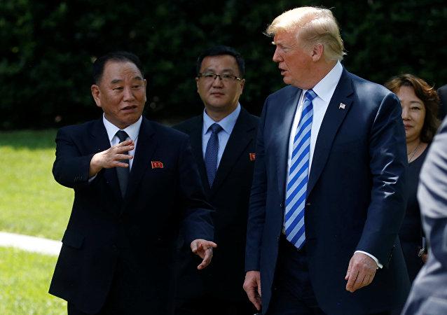 Kim Yong Chol et Donald Trump