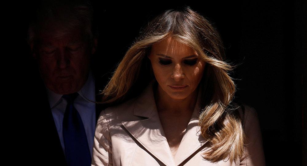 Donald Trump a «oublié» Melania à la porte de la Maison-Blanche (vidéo)