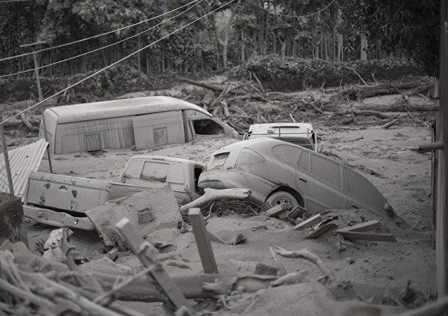 Un village du Guatemala après l'éruption du volcan de Fuego
