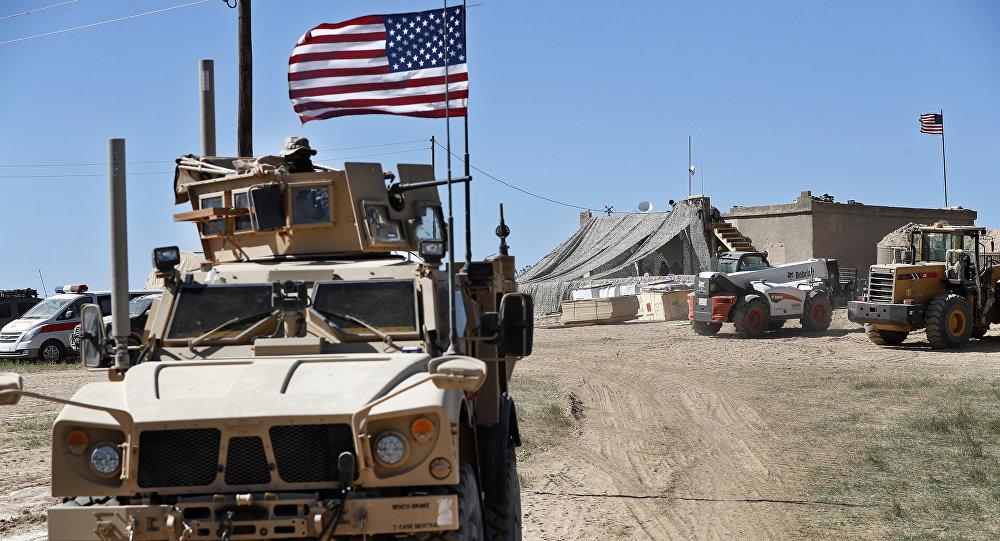Un véhicule militaire US à Manbij