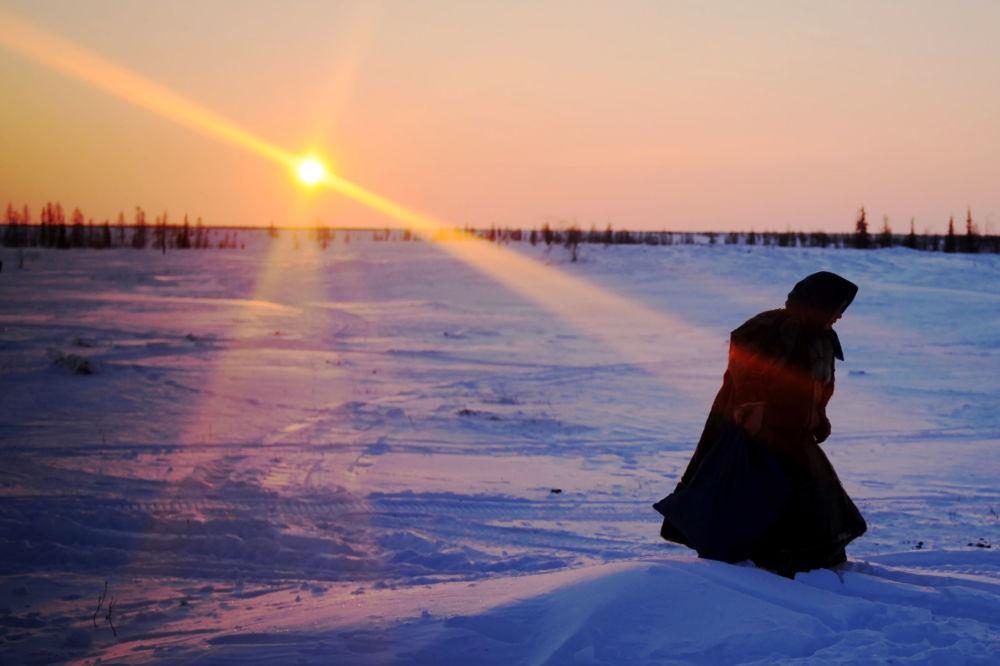 Trois peuples du Nord: les Nenets, les Khanty et les Selkoup vivent là-bas.
