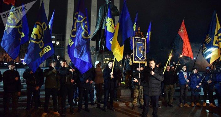 Marche des nationalistes du parti Svoboda, à Lvov, en Ukraine.