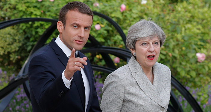 Emmanuel Macron et Theresa May