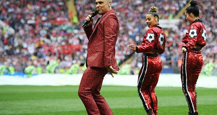 Robbie Williams lors de la cérémonie d'ouverture de la Coupe du Monde 2018 en Russie