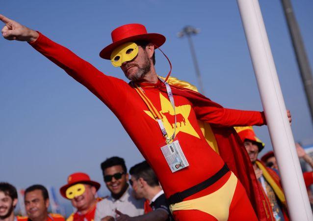 Du bonhomme gonflable à Superman: les déguisements des supporteurs lors du Mondial 2018