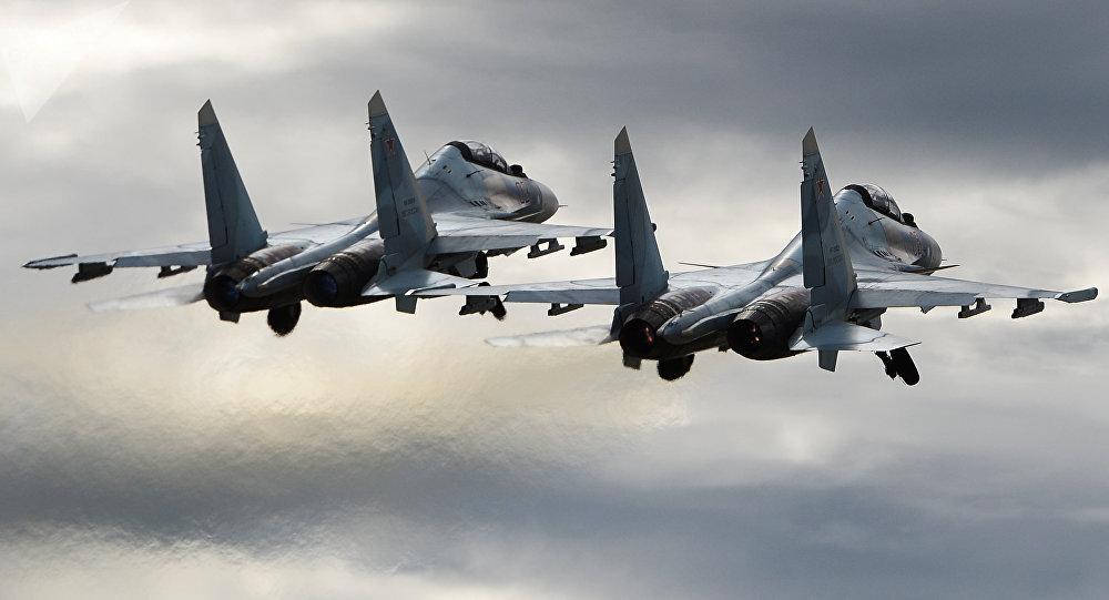 Deux chasseurs russes Su-30SM