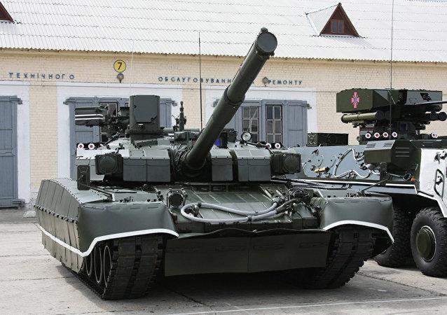 Un T-84U Oplot ukrainien