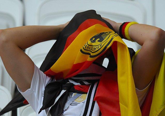 Un supporter allemand après la fin du match contre la Corée du Sud