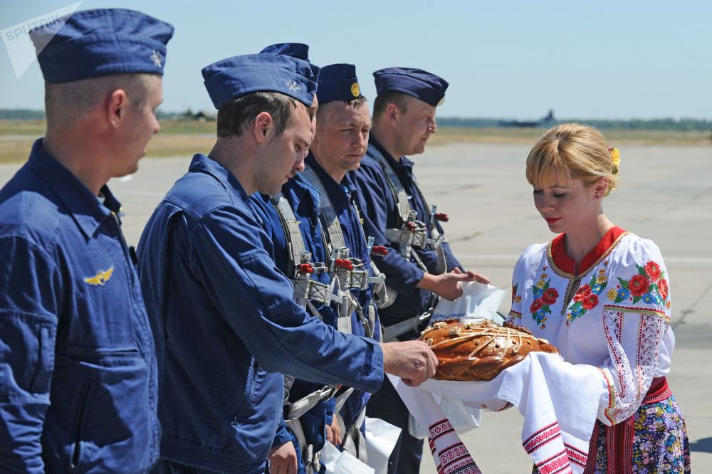 L'accueil des pilotes militaires russes revenus de Syrie