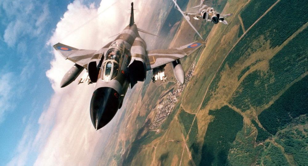 Un avion de chasse F-4 des forces armées iraniennes
