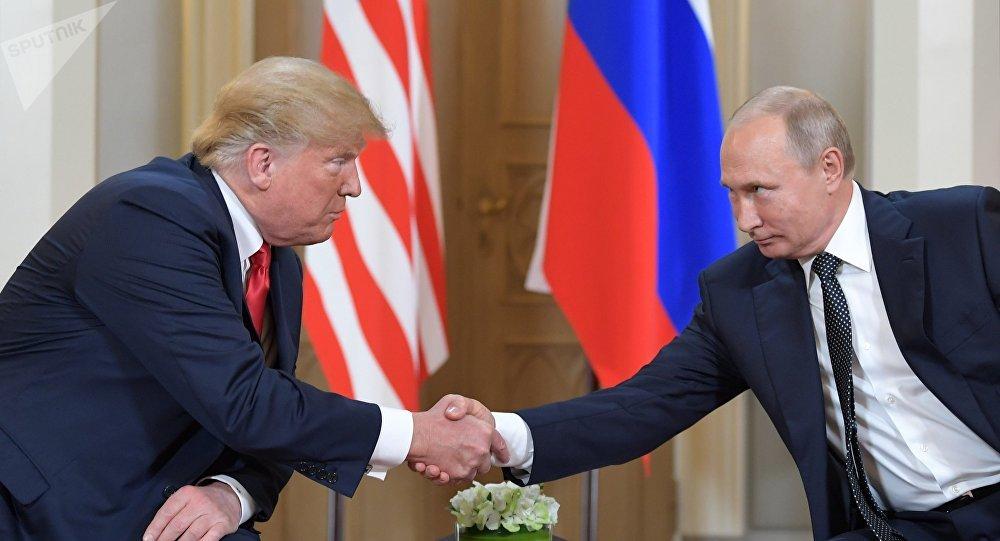 Vladimir Poutine et Donald Trump (archives)