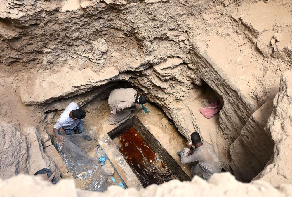 Mystère du sarcophage noir: une tombe pour le moins originale découverte en Égypte