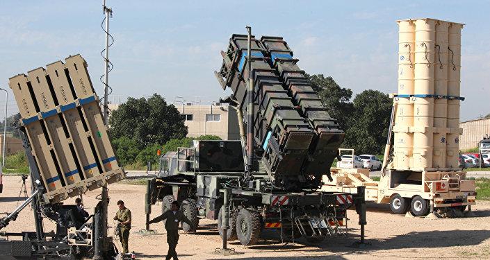 La Syrie blâme Israël, qui se défend | Moyen-Orient — Avion militaire abattu