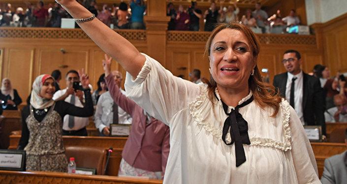 Souad Abderrahim, première femme élue maire de la capitale tunisienne