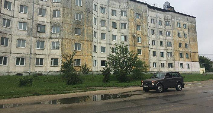 Un bâtiment typique en Russie qui reflète, selon ces deux Français, une «atmosphère post-soviétique». Entre les villes de Svobodny et de Chimanovsk