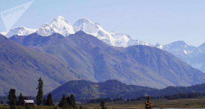 Les mystères de Shambala de l'Altaï: que cachent les glaciers du mont Béloukha