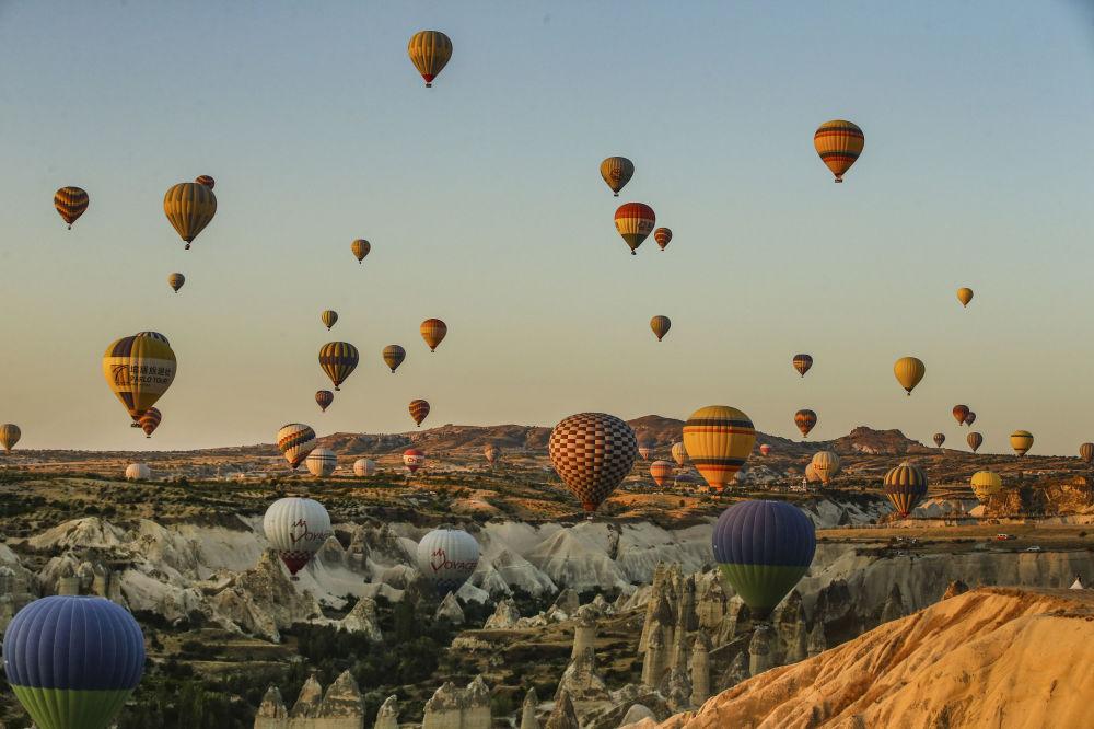 En montgolfière dans la Cappadoce