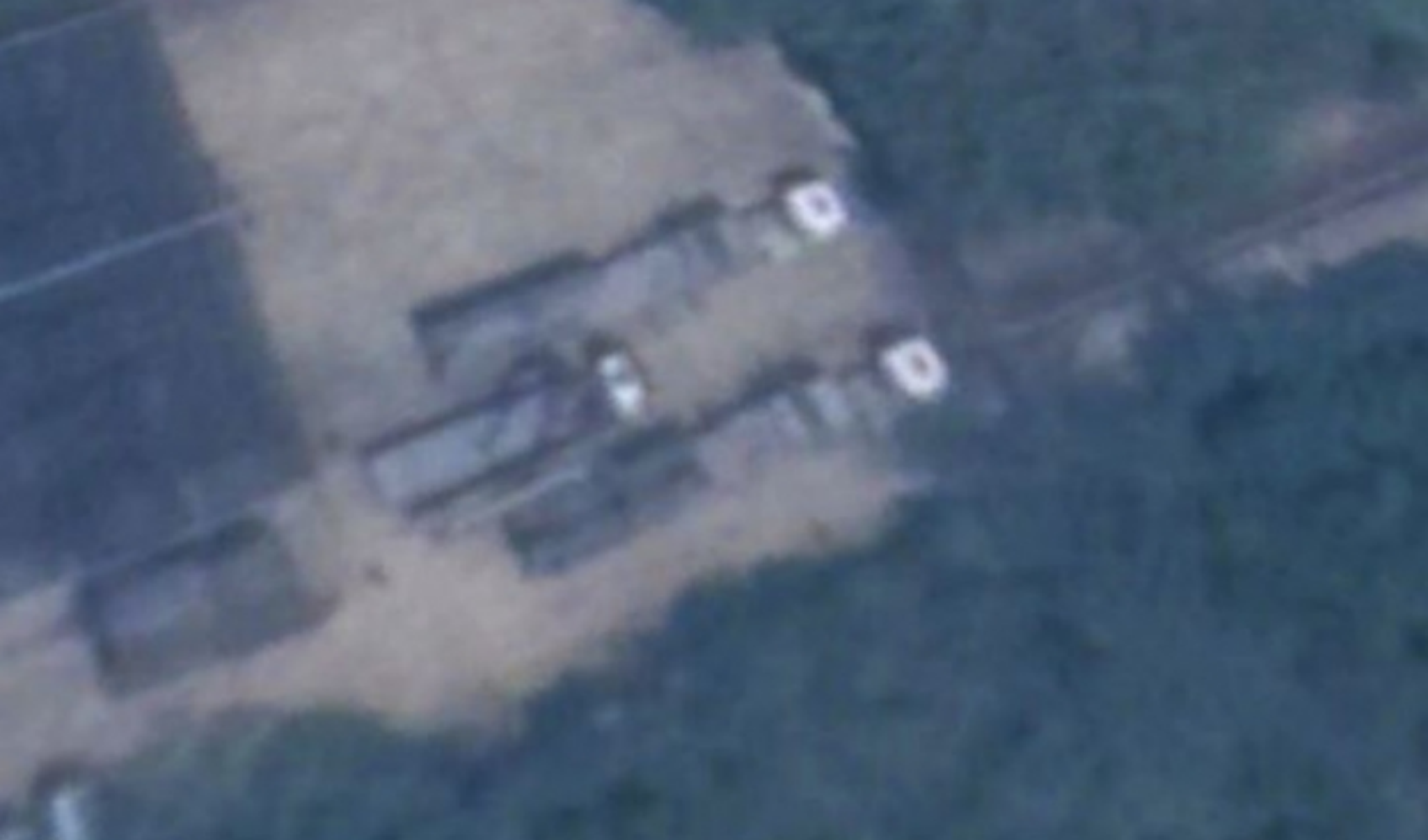 Kanwa Defense Review publie une image satellite du missile de croisière d'attaque terrestre Hsiung Feng IIE positionné en direction de la Chine continentale
