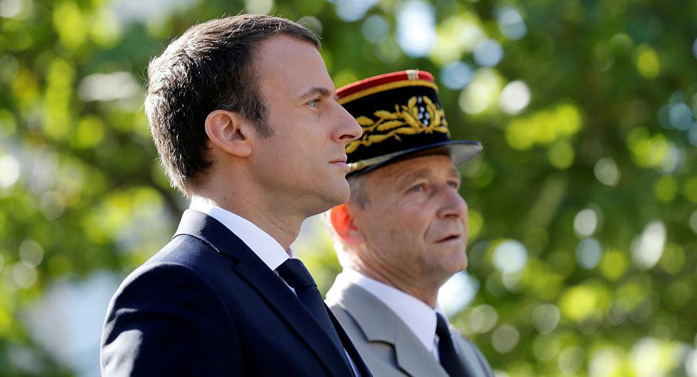 Emmanuel Macron commémore la libération de la ville — Bormes-les-Mimosas