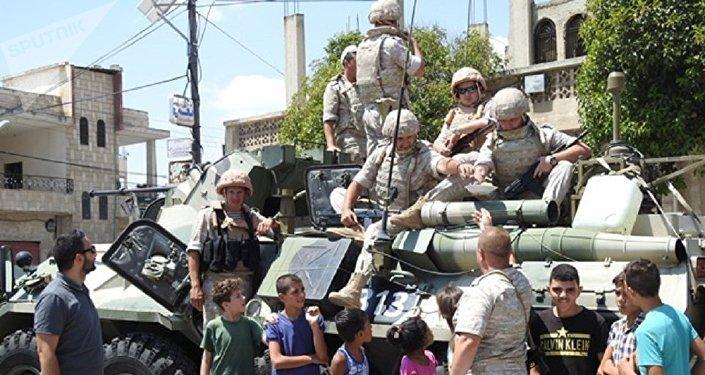Syrie: les militaires russes acheminent un nouveau lot d'aide humanitaire à Hama