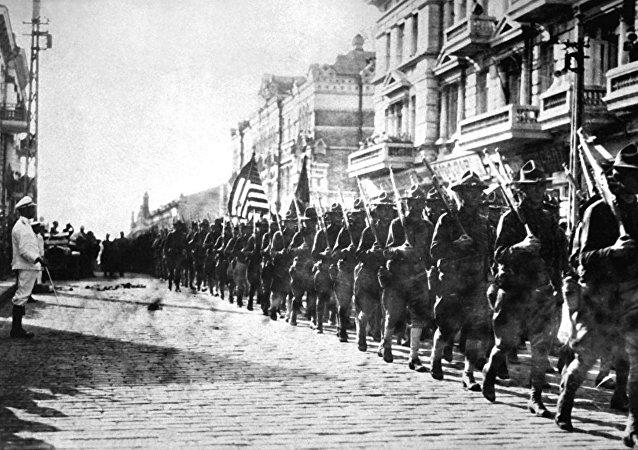 Il y a cent ans l'armée américaine envahissait la Russie