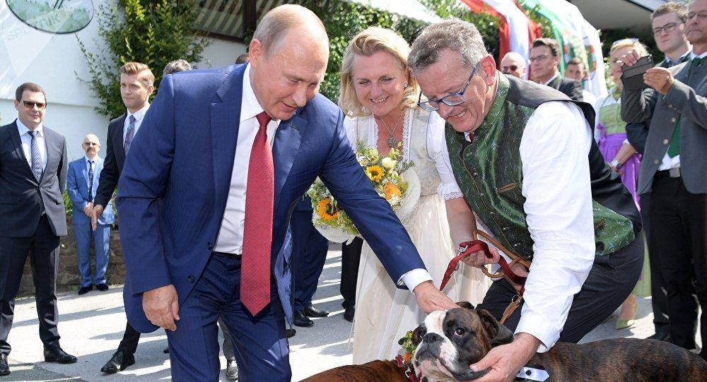 Vladimir Poutine au mariage de Karin Kneissl