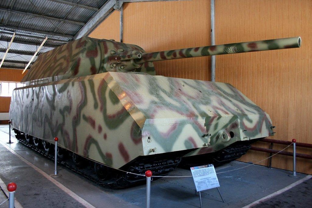 Le char superlourd Maus exposé au musée de Koubinka