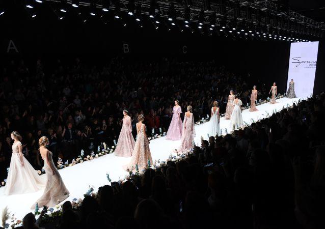 Un défilé de mode à Moscou