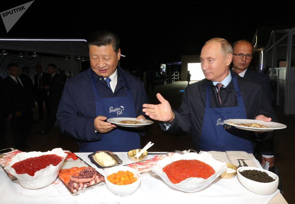 Forum économique oriental: entretiens informels, caviar et hospitalité russe
