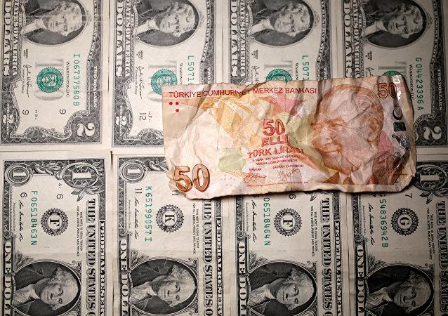Ankara, Moscou et Téhéran s'engagent dans la voie de la dédollarisation
