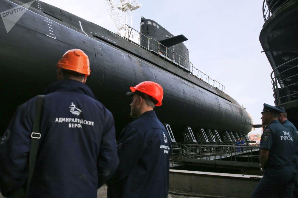 Mise à l'eau du sous-marin Kronstadt