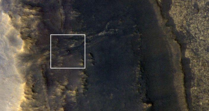 Le rover martien Opportunity pris en photo par la caméra HiRiSe installée sur la sonde MRO