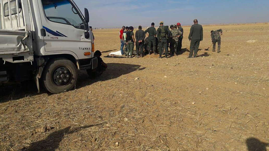 Des charniers de civils découverts près d'Abou-Douhour en Syrie