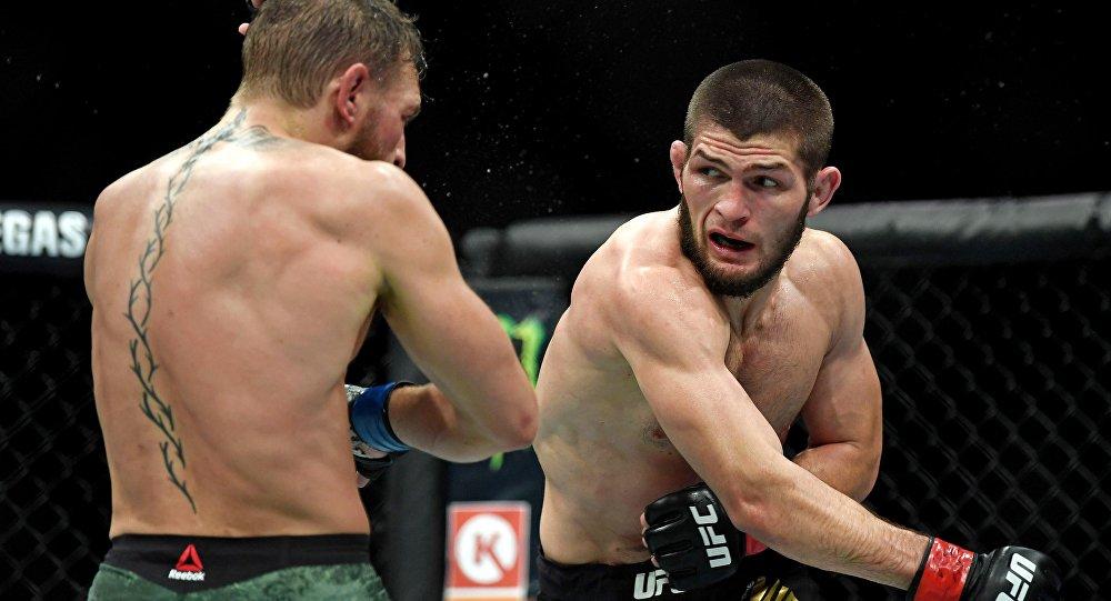 Bagarre générale après un combat très musclé — MMA