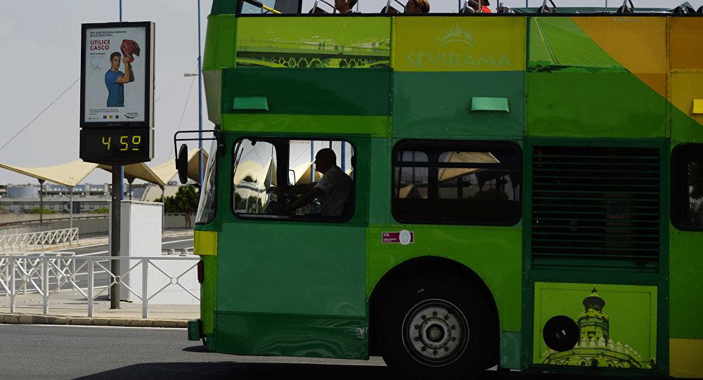 un car de touristes, Espagne/ image d`illustration