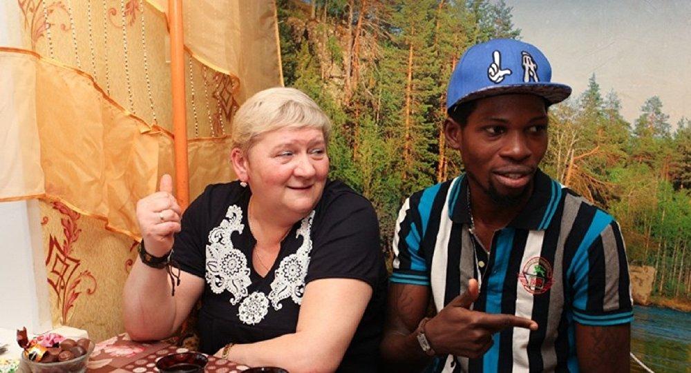 Gabriel Segun Ajayi et son épouse Natalia