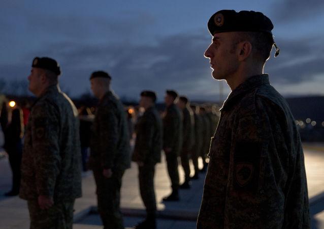 Le Kosovo vote pour la création d'une armée nationale, regain de tension dans les Balkans