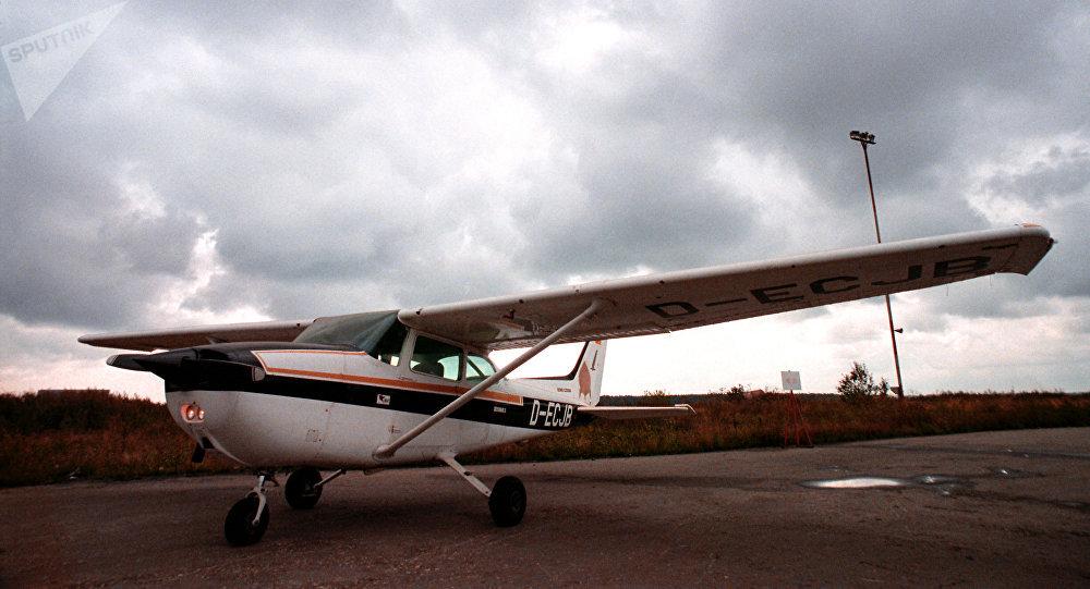 Un rappeur meurt en tombant d'un avion pendant le tournage d'un clip